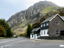 Picture of Ogwen Cottage and Tryfan