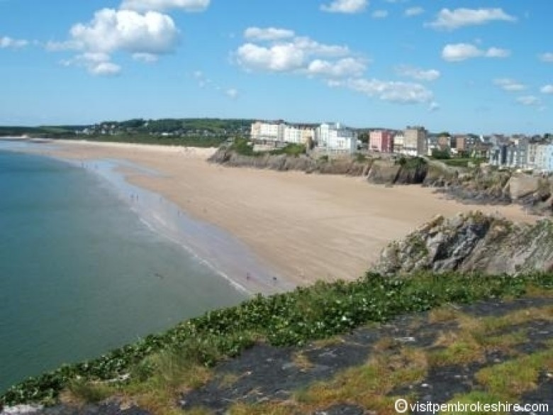 Enlarged picture of Tenby South Beach