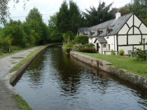 Picture of Cottage by the Canal