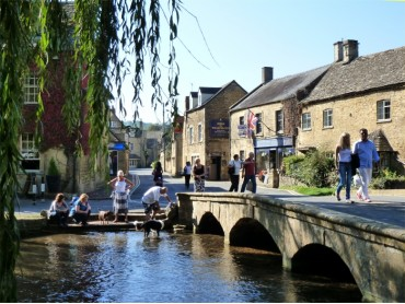Picture of Bourton on the Water