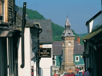 Picture of High Street and Clock Tower Knighton