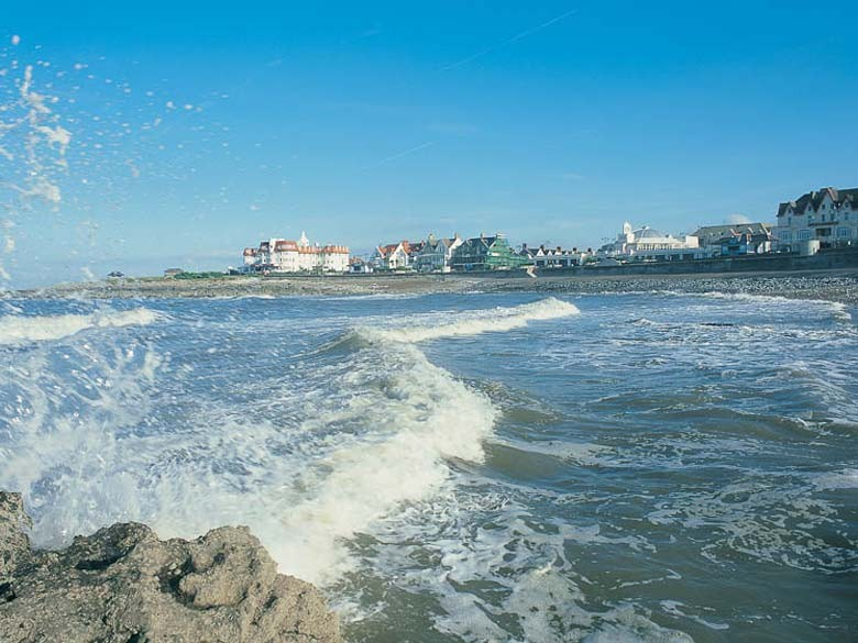 Picture of seafront beach or town beach porthcawl for Porte 7th sea