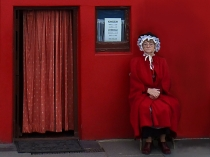 Picture of Guardian of the Smallest House in Britain