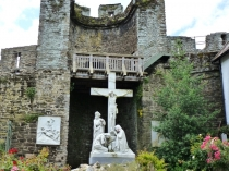Picture of Crucifixion at Conwy Town Walls